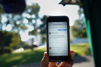 """Les membres de la """"Ligue du LOL"""" sévissait sur des réseaux comme Twitter ou Facebook."""