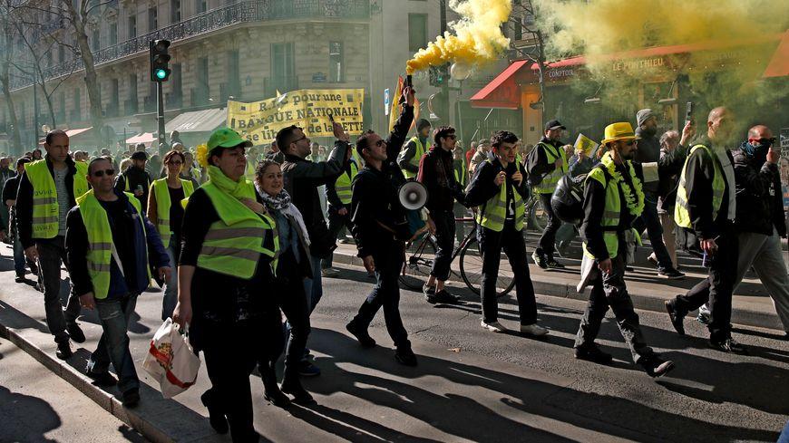 Mobilisation des gilets jaunes à Paris lors de l'acte 15 du mouvement.