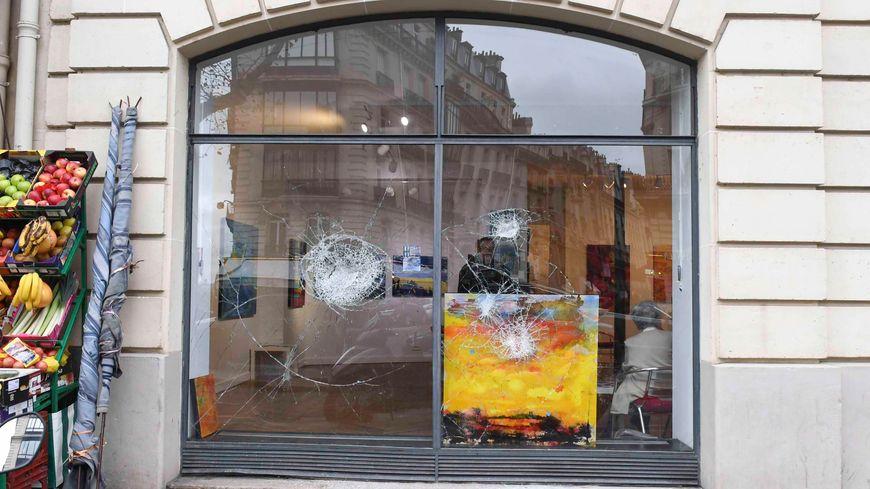 Commerces vandalisés le 2 décembre 2018 à Paris