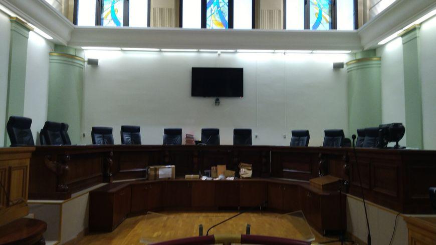 C'est dans cette salle d'assises que le policier poitevin est jugé depuis lundi pour coups mortels dans l'affaire Massonaud