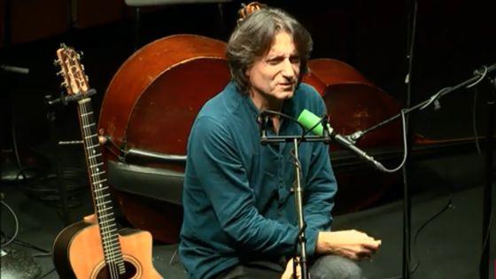Improvisation du guitariste Raymond Boni