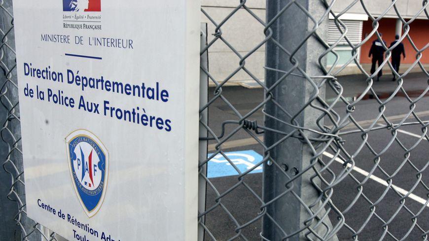 """Plusieurs """"migrants"""" expulsés de Corse passent par le centre de rétention de Toulouse avant de rejoindre leur pays"""