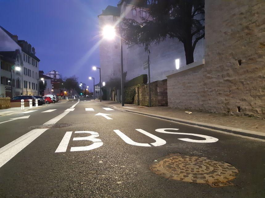 La voie de bus de la nouvelle rue de la Schliffe à Montbéliard