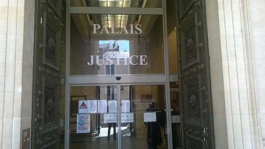 Six mois de prison ferme ont été prononcés pour homophobie par le tribunal correctionnel d'Orléans