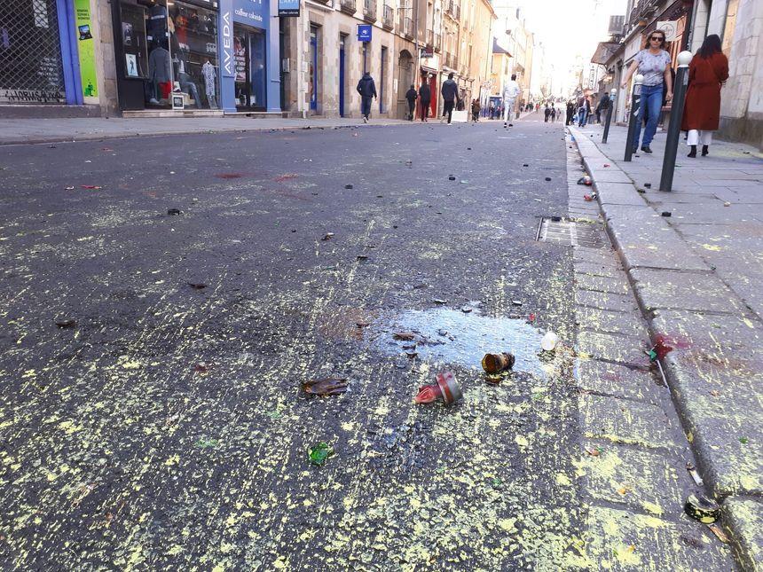 Grenades et bouteilles de verre, les projectiles ont fusé rue Jules-Simon à Rennes