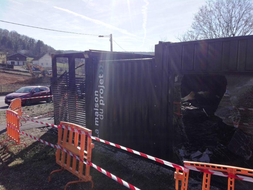 Les pelleteuses ont commencé les travaux depuis fin janvier 2019 notamment juste en face de la maison du projet de l'éco-quartier des Vaîtes à Besançon