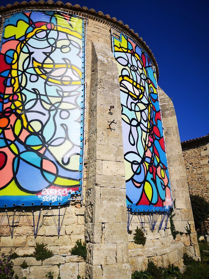 """L'association """"les Amis des Pénitents"""" organise tous les étés depuis 1988 une exposition d'art contemporain et des concerts pour collecter des fonds"""