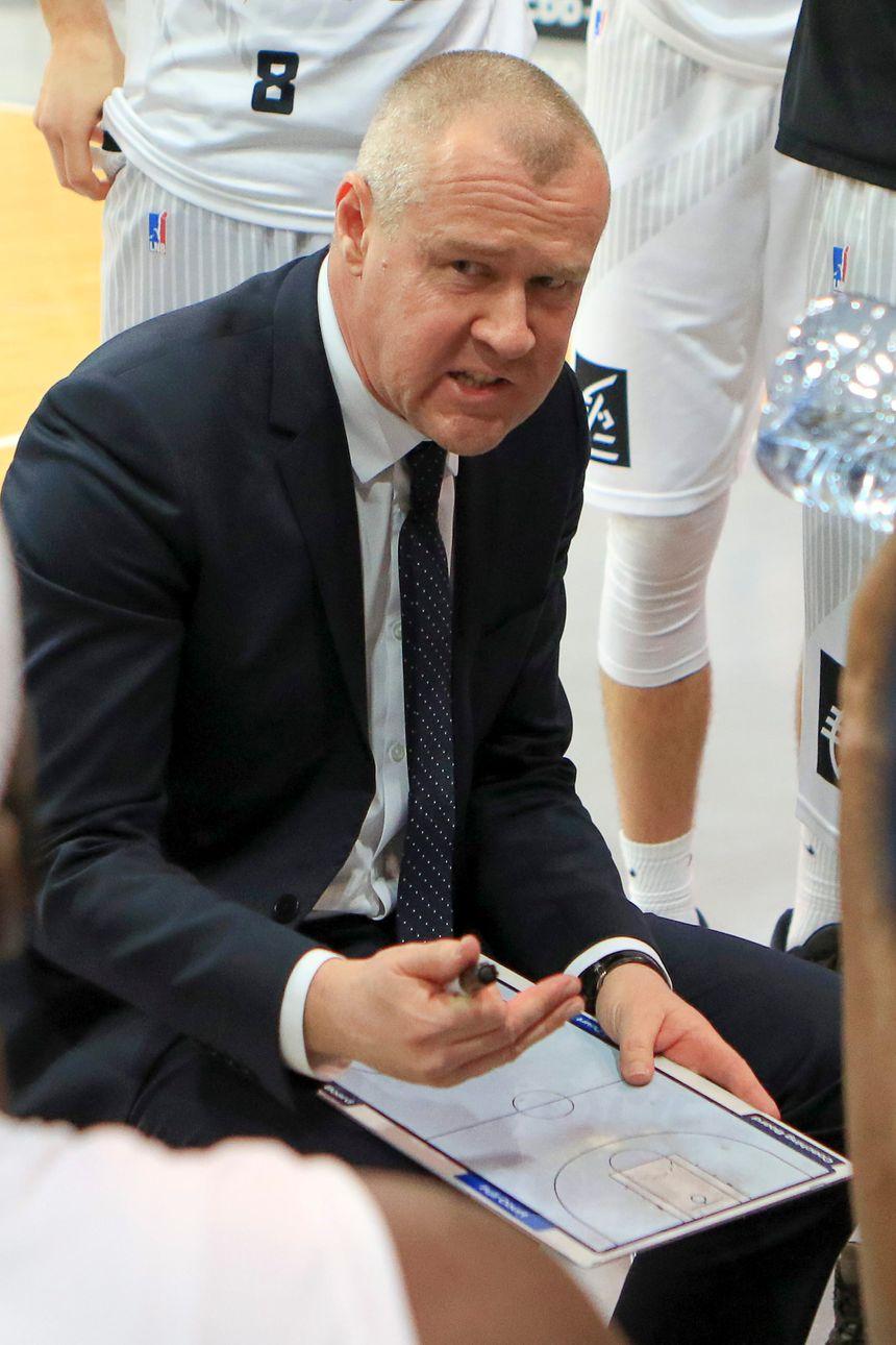 Laurent Legname le coach de Dijon lors de la victoire face à Nanterre en Jeep Élite (illustration)