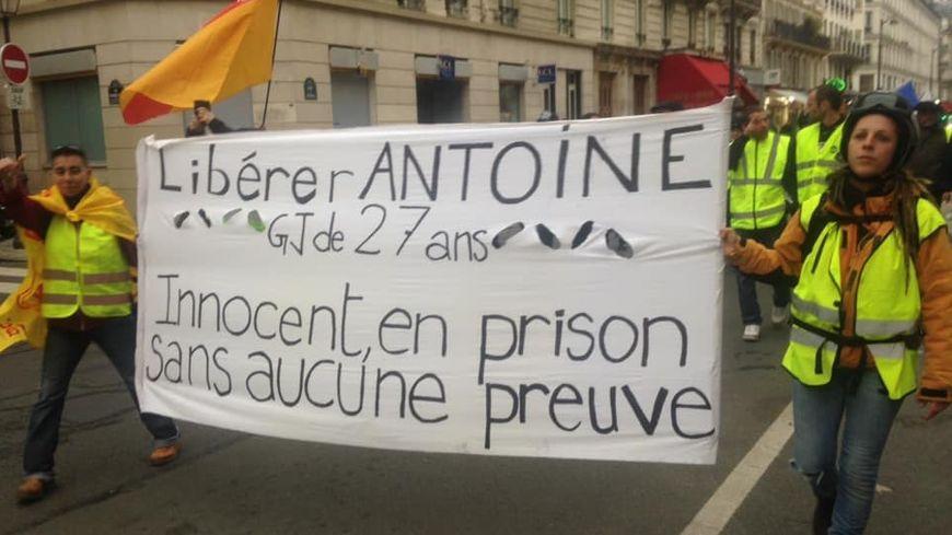Antoine est en détention provisoire depuis plus de trois mois.