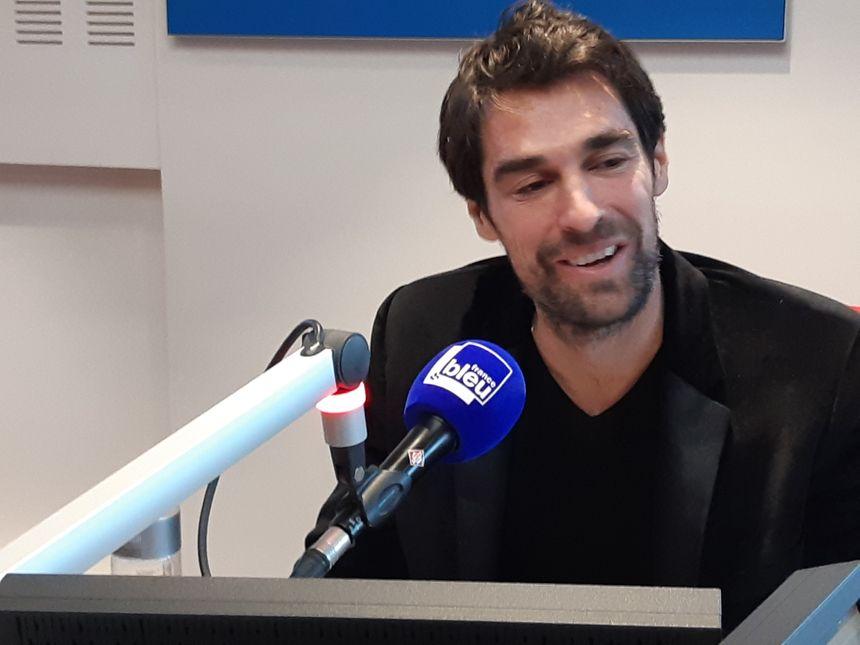 Jérémy Chardy au micro de France Bleu Béarn.