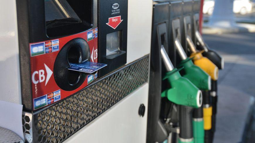 les prix à la pompe repartent à la hausse en février