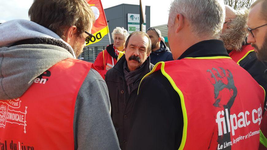 Philippe Martinez, secrétaire général de la CGT, a échangé avec les militants