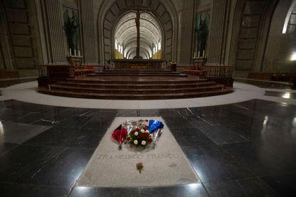 Tombe de Franco au mausolée d'el Valle de los Caídos