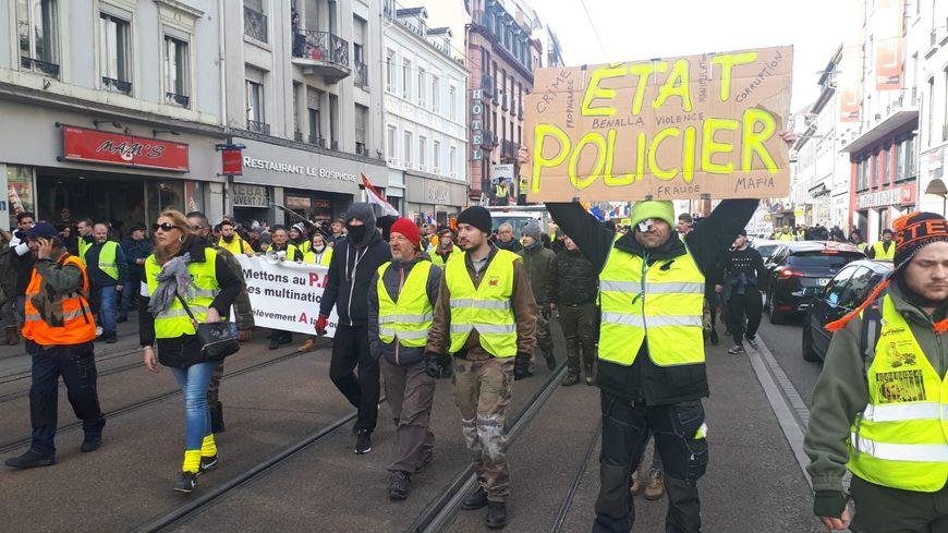 La manifestation régionale des gilets à Mulhouse, pour l'acte 13 du mouvement.