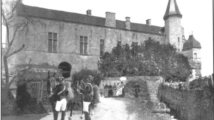 Quand les gendarmes du Grand Pressigny ont commencé à faire des relevés météo, en 1924, la gendarmerie ressemblait à ça