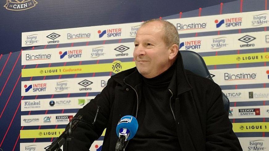 Rolland Courbis s'est présenté pour la première en conférence de presse en tant que membre du SM Caen.