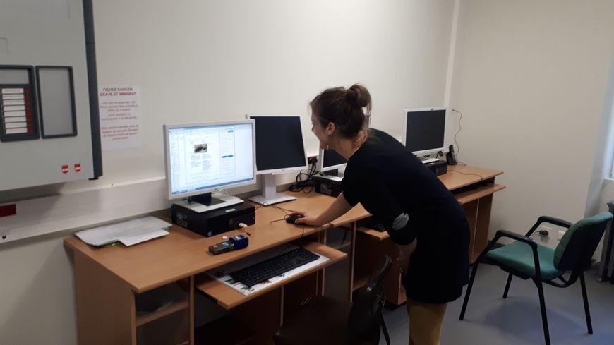 . En 10 ans elle a déjà effectué des remplacements dans la moitié des écoles de Lozère.
