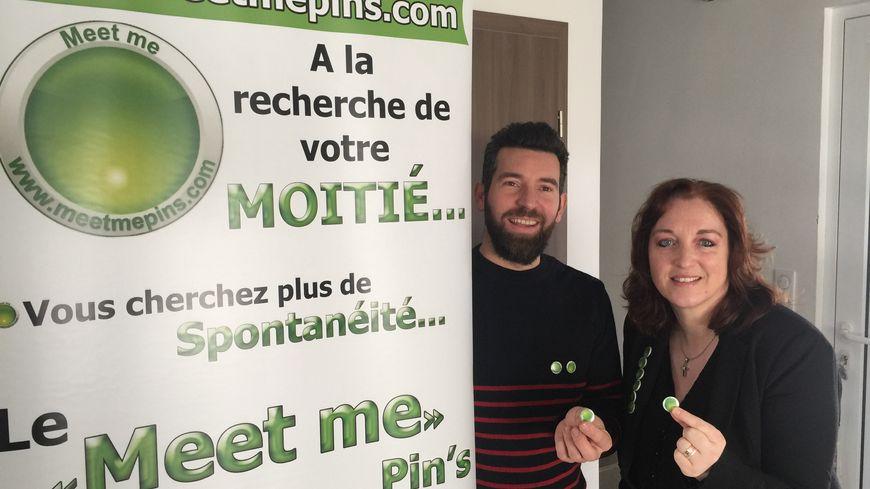 Marie-Claude et Alexandre Del Grosso ont lancé leurs pin's pour rencontrer l'âme sœur