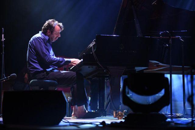 Un artiste et un piano