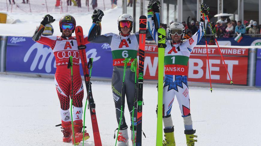 Le podium du géant de Bansko. De gauche à droite Hirscher, Kristoffersen et Fanara.