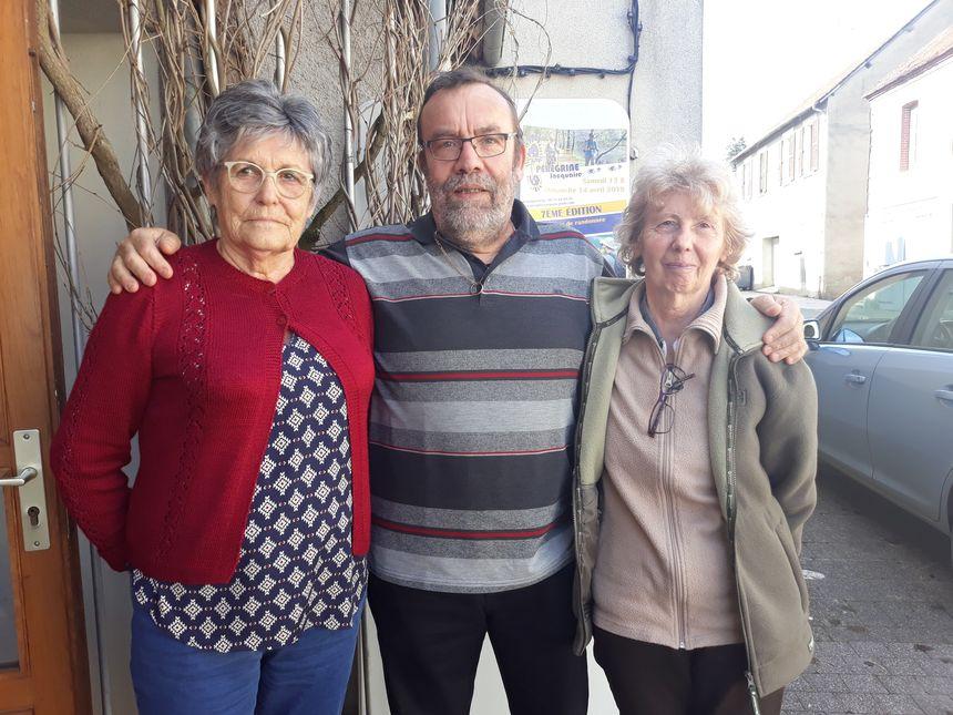 Pierrette, Philippe et Sylviane, trois bénévoles de la Pérégrine jacquaire