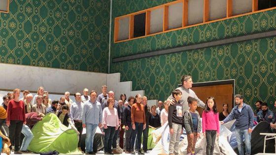 Une répétition de Nabucco avec le chœur de réfugiés à Hambourg