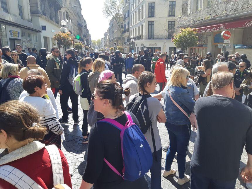Les manifestants en plein centre ville d'Avignon