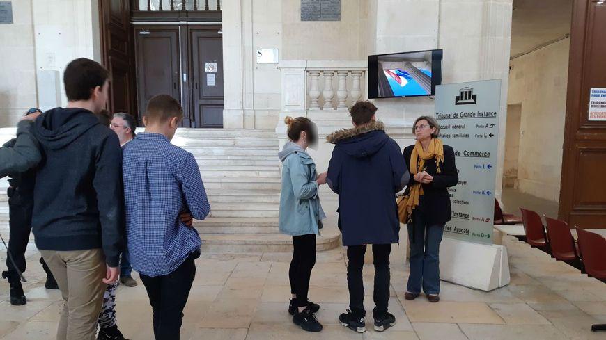 Les jeunes mineurs échappent à une sanction devant le tribunal.