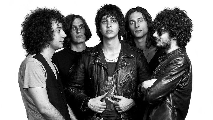 the Strokes album is this it sorti en 2001