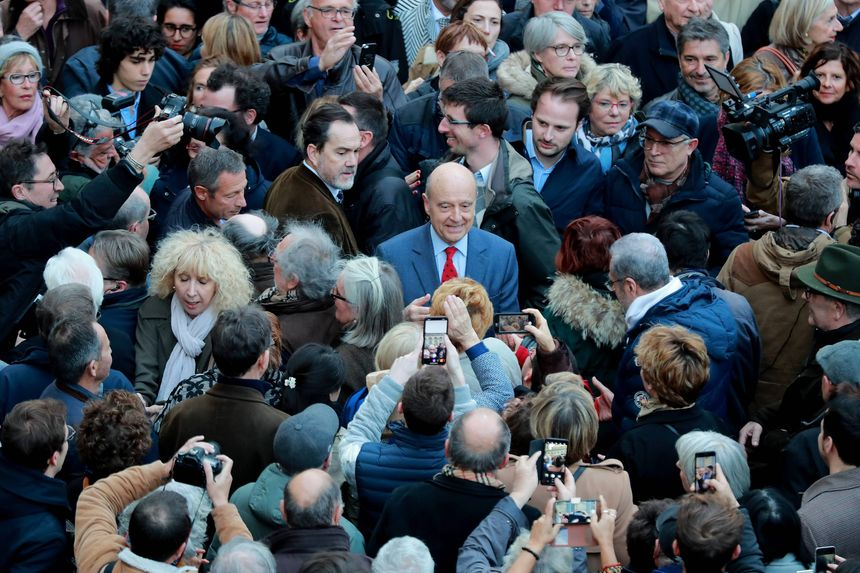 Alain Juppé s'est offert un bain de foule.