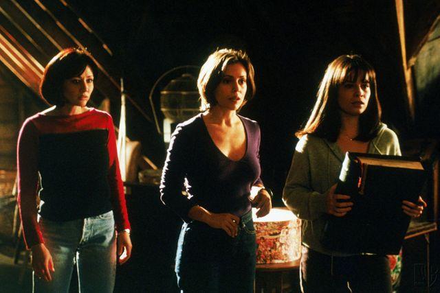 Prue, Phoebe et Piper (de g. à d.) - Charmed, Saison 1 (1998)
