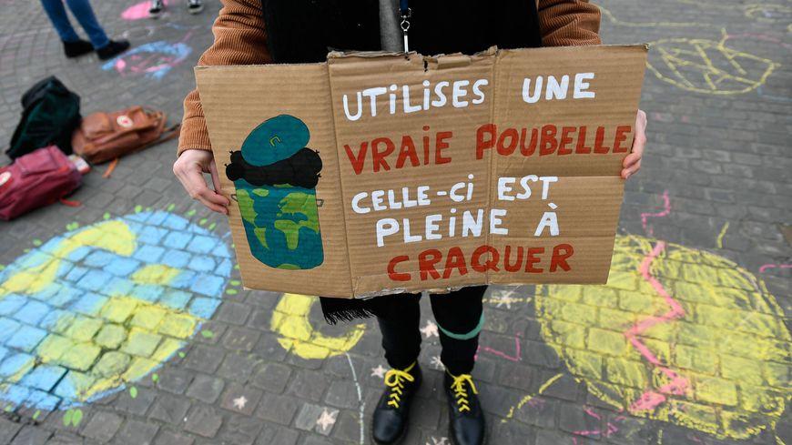 Mobilisation de lycéens contre le réchauffement climatique à Nantes, le 8 mars 2019