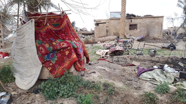 A Baghouz, dans le Nord-Est de la Syrie, les djihadistes et leurs familles ont tout abandonné dans leur reddition ou leur retraite,