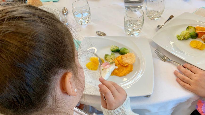 Dordogne Un Déjeuner Gastronomique Pour Les 125 élèves De Lécole