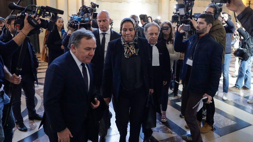 Latifa Ibn Ziaten, la mère de la première victime de Mohamed Merah, à son arrivée au Palais de Justice de Paris.