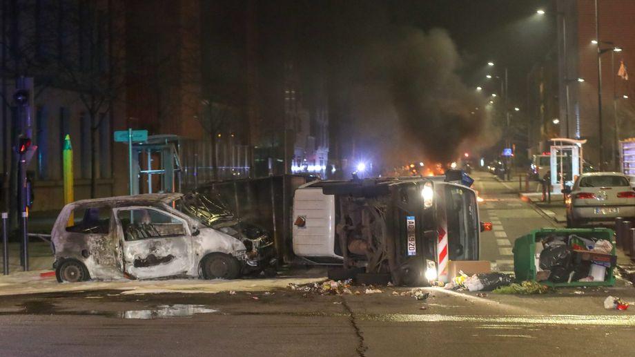 La mort de deux jeunes de 17 et 19 ans, poursuivis par la police, a provoqué trois nuits d'émeutes dans le quartier Mistral de Grenoble.