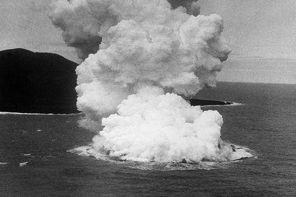 Naissance de l'île de Sutsey en Islande en 1963