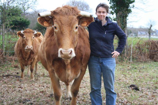 Denis Cheissoux est parti dans les Côtes-d'Armor tendre son micro à Katell Lorré, agricultrice (La petite Ferme d'Emeraude, Coopérative agriculture à Saint-Cast-le-Guildo)