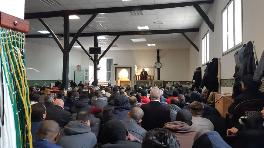 Attentat Nouvelle Zélande Wikipedia: Les Musulmans De Poitiers Bouleversés Par L'attentat