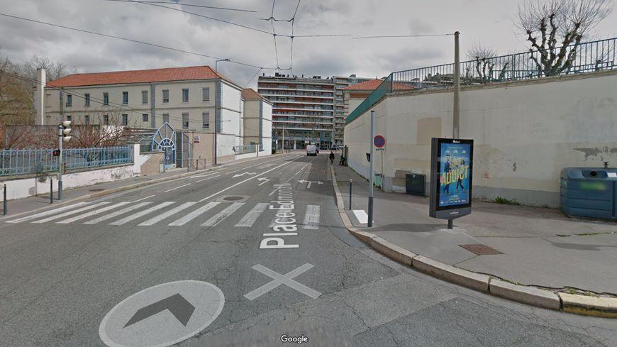 """Saint-Étienne : """"Vous voulez ma photo ?"""" demande la conductrice au piéton qu'elle vient de renverser"""