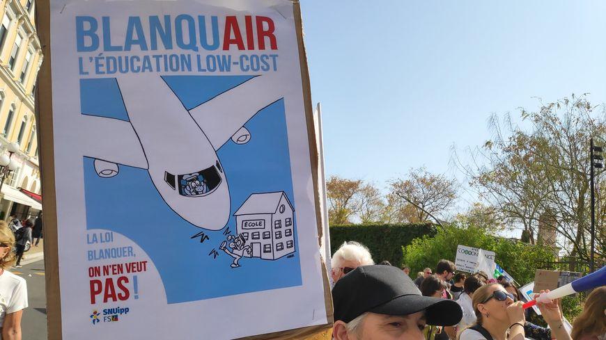 Ce samedi, les principaux syndicats enseignants appellent à une mobilisation dans plusieurs villes de France (ici à Nice).