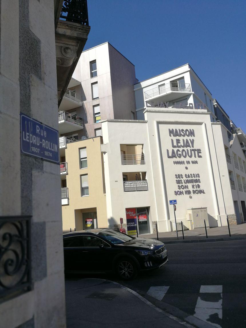 Au détour de la rue Ledru-Rollin un vestige du passé