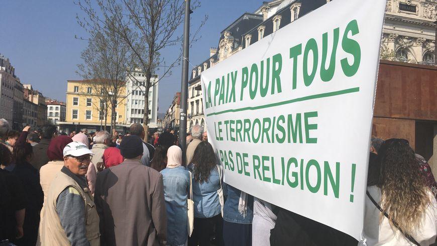 """""""Non, le terrorisme n'a pas de religion"""""""