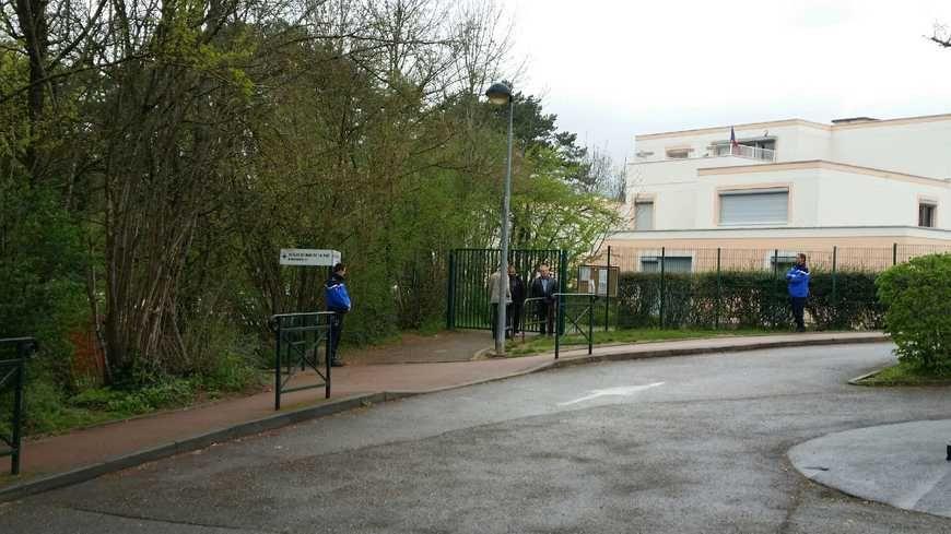 Le groupe scolaire du Mas de la Raz, à Villefontaine.