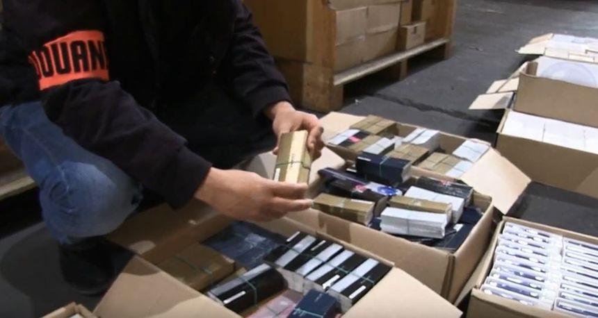 Stock Plus 245 ContrefaçonsUn Video Parfums Faux De 000 K3lcF1TJ