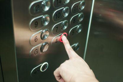 Ces pannes d'ascenseurs qui pourrissent la vie des habitants