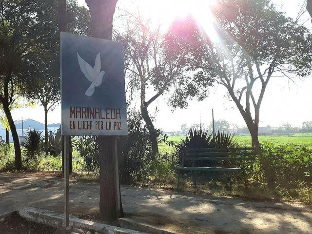 """Le panneau d'entrée dans le village : """"Marinaleda, en lutte pour la paix"""""""