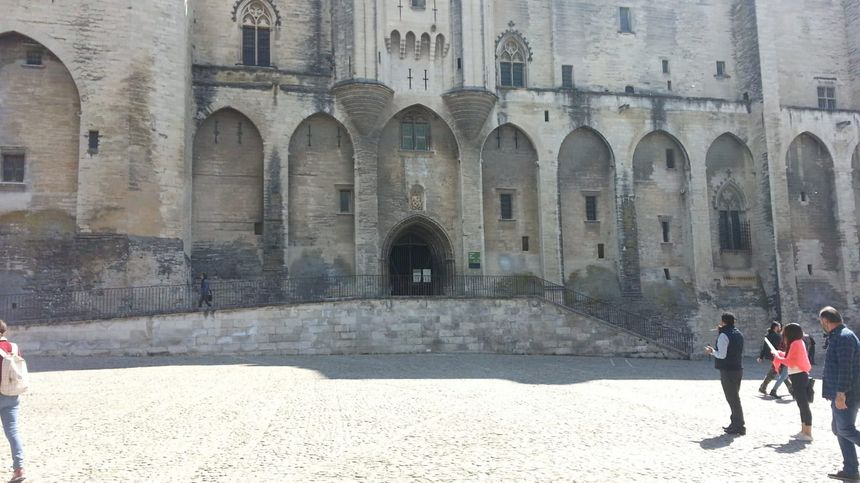 Le Palais des Papes vide