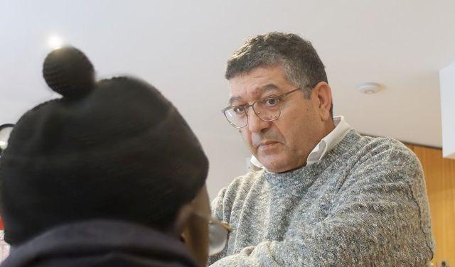Moncef Labidi a créé le café social de Belleville il y a 15 ans