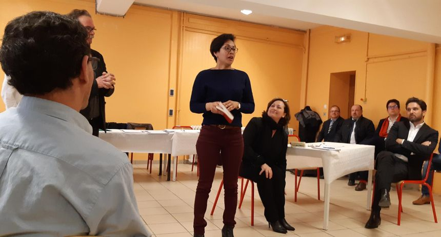 Aïna Kuric, Valérie Beauvais et Arnaud Robinet face aux détenus de la maison d'arrêt de Reims